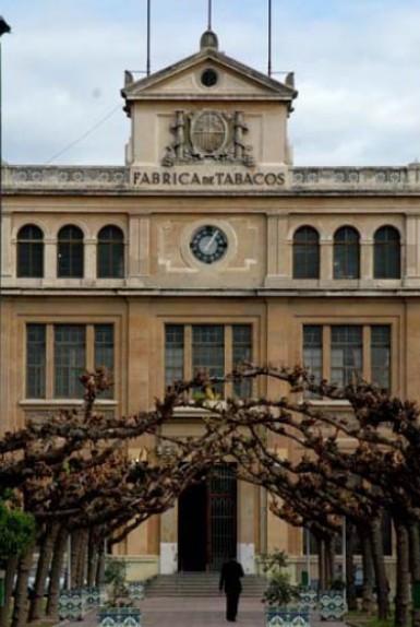 Façana de la Tabacalera de Tarragona