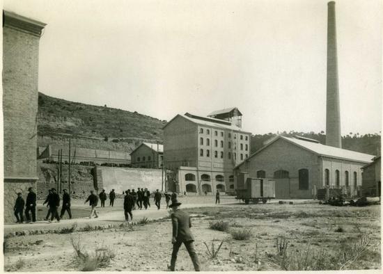 Inicios-fabrica-mina-potasa-de-Suria_imagelarge
